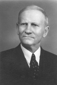 My grandfather, Johannes Möller Olson (1869-1954), in the mid-1940s.